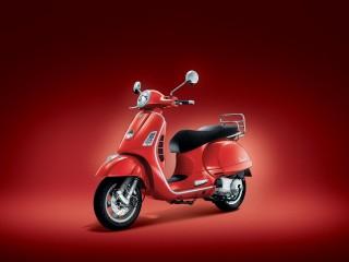 Vespa GTS red