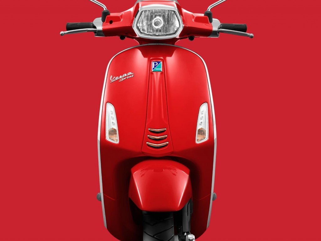 Vespa Sprint red