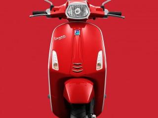 Vespa Sprint red