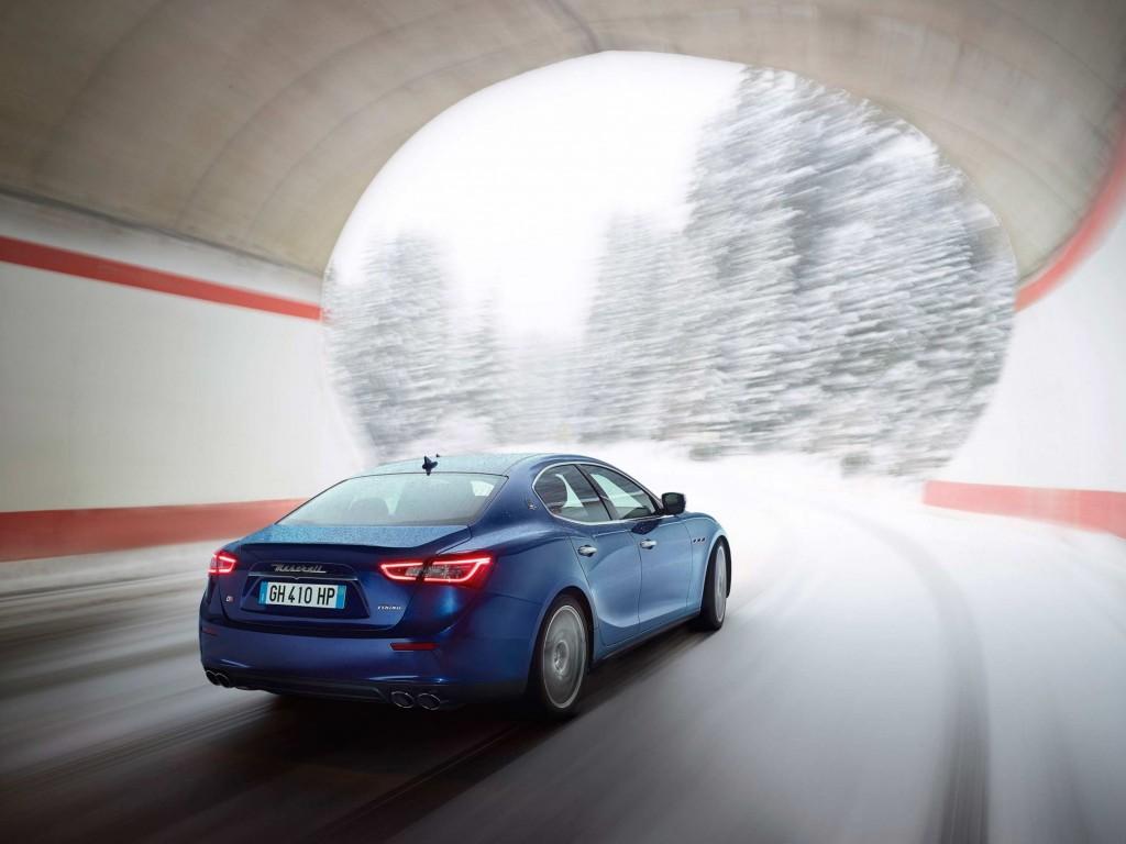 Maserati Ghibli tunnel