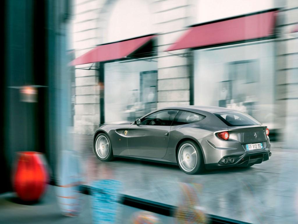 Ferrari FF brochure